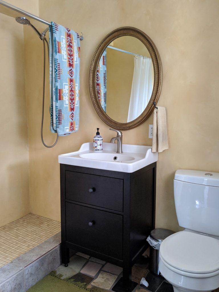 Applegate Cottage Bathroom