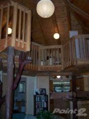 straw bale house interior