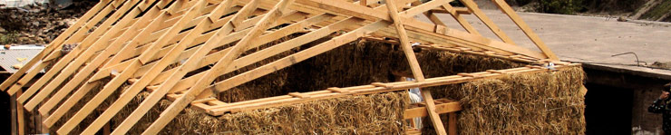 roof trusses on a load bearing straw bale house