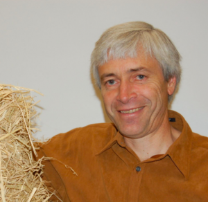 Martin Hammer and his straw bale friend