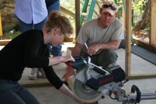 femke-on-miter-saw.JPG
